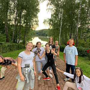 camp-13-friends